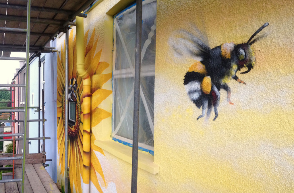 Mural_House_Sunflower_Bee