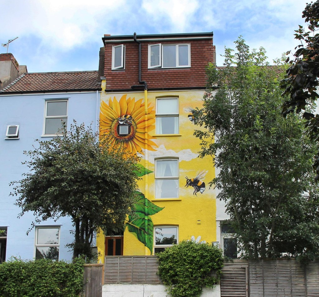 Mural_House_Sunflower_Distance